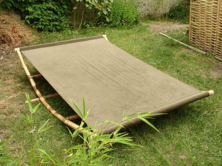abri de jardin en bambou